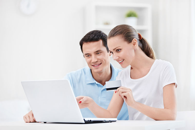 couple looking for the best debt consolidation companies